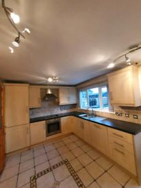 Maple Kitchen & Appliances