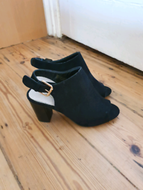 Swede Black Shoes:Size 5 (New,not worn)