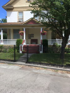 Bachelor  Historical House Downtown close to City Park