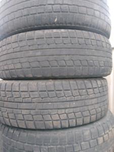 4x pneus hiver 185/65R15