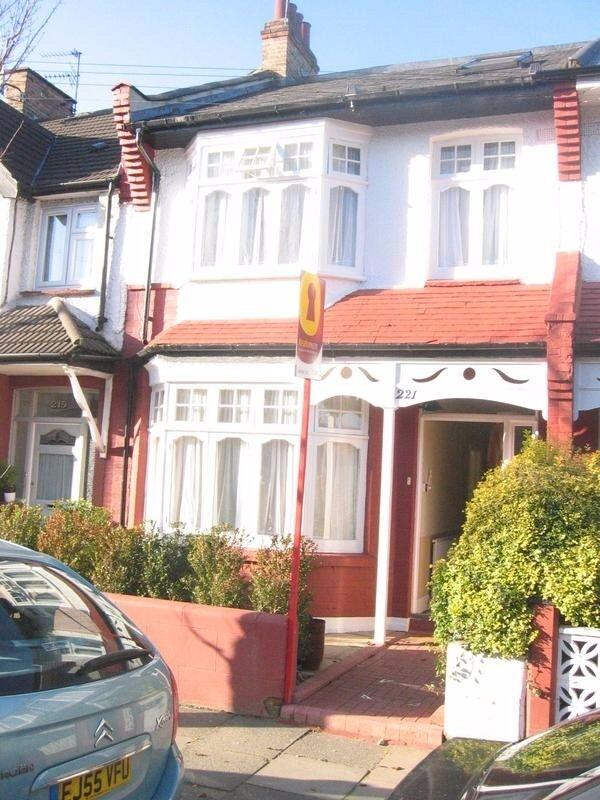 Double & Single Room in lovely house near Turnpike Lane,N22