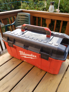 """Milwaukee 26"""" inch Toolbox - Holds 200 LBs - 7.5/10 condition"""