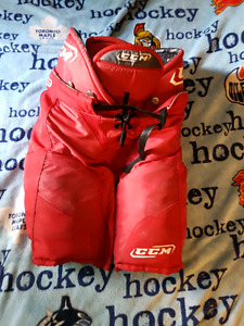 CCM 2D red Shield hockey pants