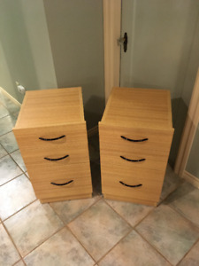 2 x Bedside Tables / Chest Drawer