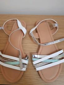 Sandals, size 4