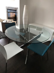 Stunning dining table for 4 with 4 chairs from CB2 and Structube