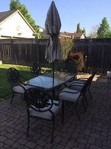 Outdoor patio set for sale!