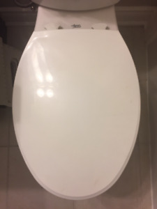 2  Bemis Elongated Closed Front Easy Clean Toilet Seat