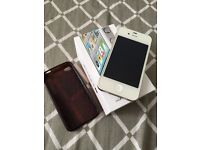 IPhone 4s 16GB UNLOCKED WHITE BOXED