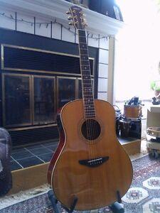 Yamaha LLX-400 Acoustic Guitar