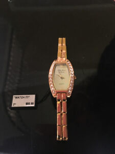 BRAND NEW FIFTH AVENUE GOLD WATCH WITH SWAROVSKI CRYSTALS