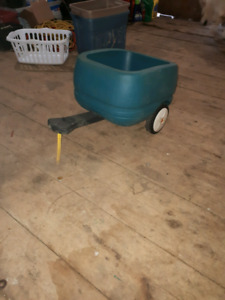 Single person wagon trailer with hitch
