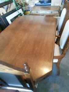 Dining table with leaf,  6 chairs,  and buffet $50 Kitchener / Waterloo Kitchener Area image 2