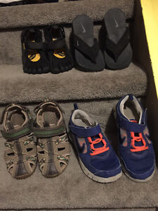 Boys size 2 and 3 shoes/sandals