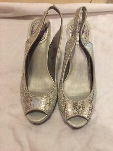 Ladies shoes London Ontario image 3