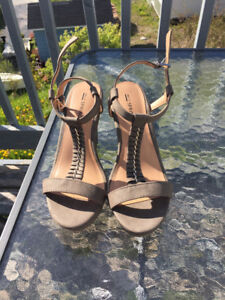 Selling some pretty fabulous shoes!