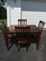 Table and Chairs 199$ obo