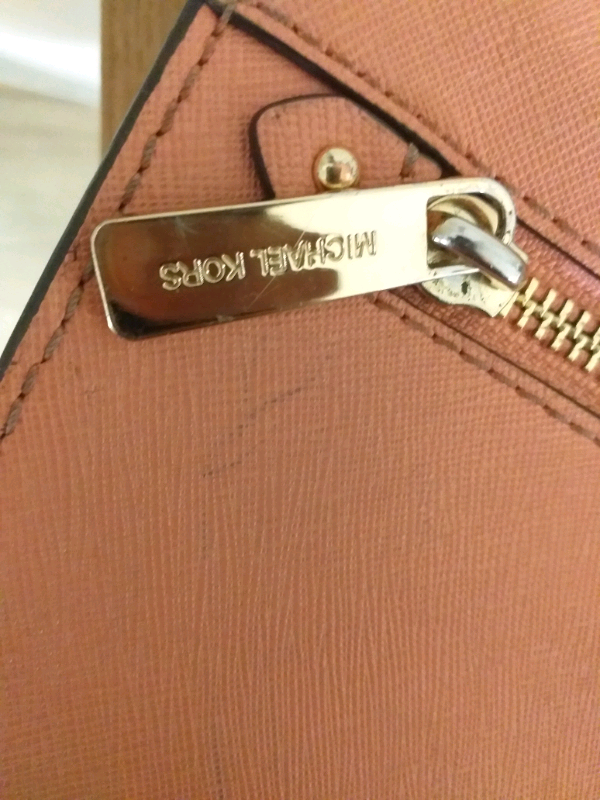 7c3c1cfdc9193a Michael Kors Leather Handbag- Light Pink- Small Size- Good Condition ...