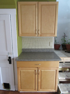 Kitchen cabinets: upper and lower