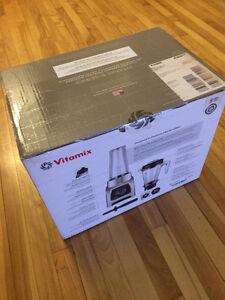 Brand new Vitamix s55 blender never used