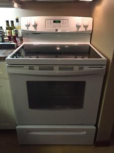Poêle et réfrigérateur Kenmore NEUFS à vendre