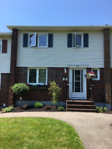 MILLIDGEVILLE- BEAUTIFUL 3 LEVEL TOWNHOUSE WITH MANY UPGRADES