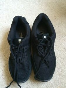Dance Hip Hop Shoes Size 9.5  Kitchener / Waterloo Kitchener Area image 1