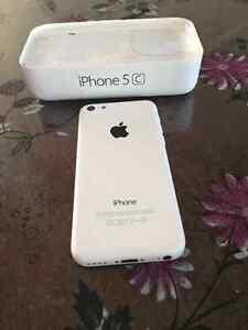 iPhone 5c en très bon etat Saguenay Saguenay-Lac-Saint-Jean image 2