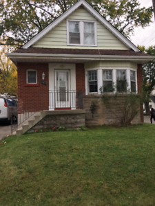 McMaster Student Home- 1x Female