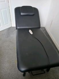 Hydraulic treatment bed