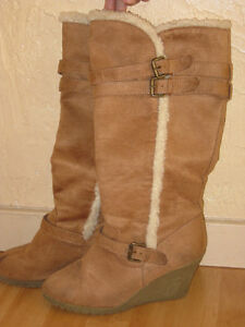 "Women""s Wedge Boots ~ $20 Size 9"