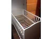 White cot with matress
