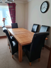 SOLID OAK EXTENDING TABLE & 6 CHAIRS