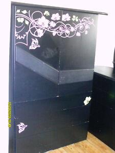 bureau de chambres noir