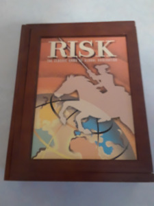 RISK-Vintage-Game-Collection-Wood-Box-