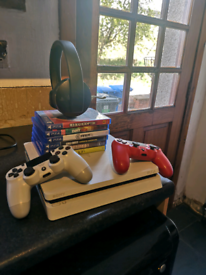 PS4 White 500GB Slim +