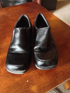 boys shoes and dress shoes  Cambridge Kitchener Area image 3