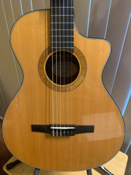 Taylor ns32ce nylon string in excellent condition