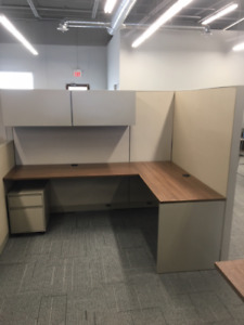 """""""Like New"""" used Steelcase Workstations & tables"""