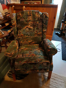 Beautiful MINT Genuine Lazy Boy recliner.