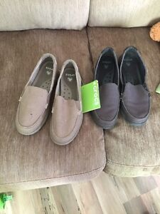 Ladies crocs size 8w