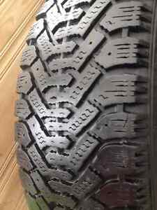 Set of 4 Goodyear winter tires 185/60/15