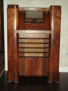 FOR SALE - RCA Model 816K Console 16 Tubes Shortwave Radio