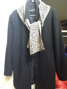 Classic Ladies Winter coat, with scarf, size 38, only $5