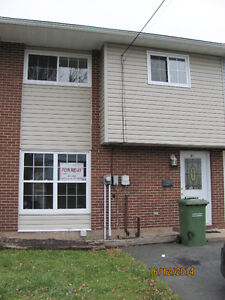 SUB-LET (AVAILABLE IMMEDIATELY) 61 MERRIMAC DR. DARTMOUTH