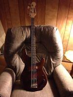 Old Yamaha bass guitar (parts instrument)