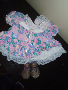 Girl  dress size 3-6 months + Shoes sixe 1/2 , 5$ ♥