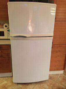 Réfrigérateur KitchenAid 33 pouces en parfait état