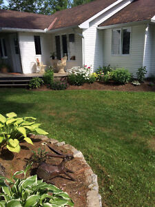 Cottage/house in val des Bois on the water $269,900 neg.