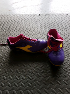 Soccer cleats size 3